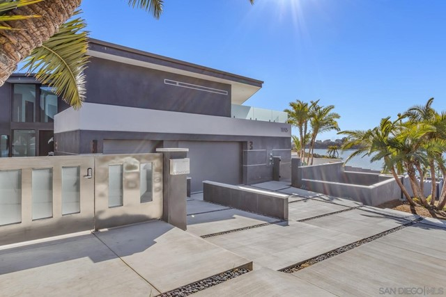 Photo of 1095 Hoover St, Carlsbad, CA 92008