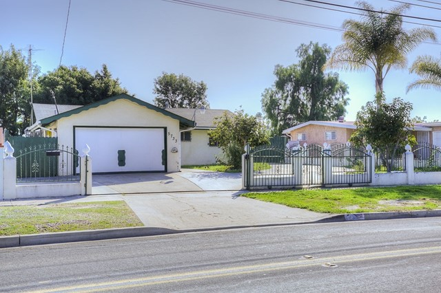 5733 Division St, San Diego, CA 92114