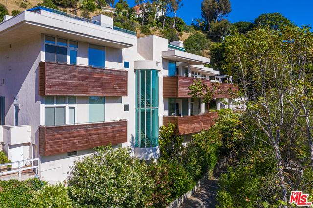 43. 21070 Las Flores Mesa Drive Malibu, CA 90265