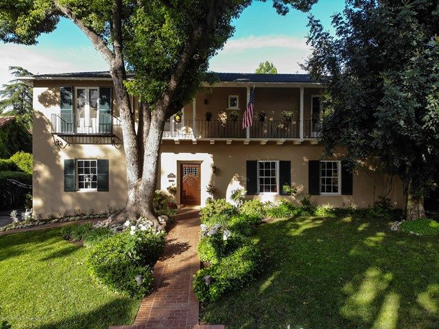 584 Rosemont Avenue, Pasadena, California 91103, 4 Bedrooms Bedrooms, ,2 BathroomsBathrooms,Residential,For Sale,Rosemont,819004718