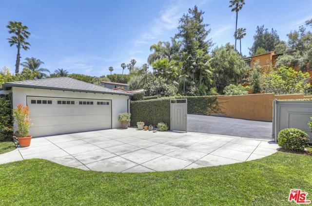 52. 5222 Los Feliz Boulevard Los Angeles, CA 90027