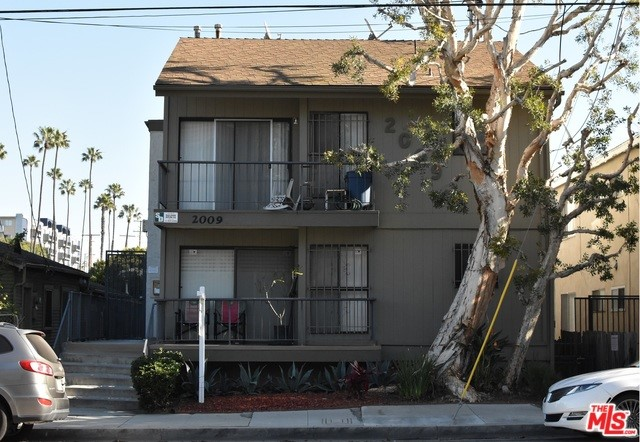 2009 4TH Street, Santa Monica, CA 90405