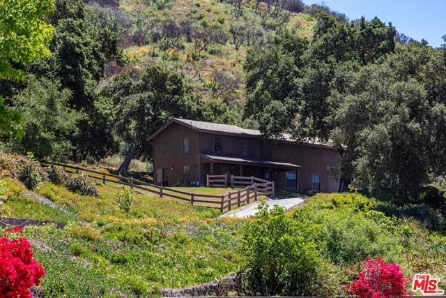 3100 MANDEVILLE CANYON Road, Los Angeles CA: https://media.crmls.org/mediaz/C3C498B4-A9CB-4A82-9AFB-43E33C10971D.jpg