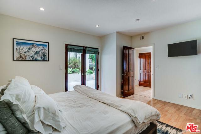 110 Guadalupe Avenue 5, Redondo Beach, California 90277, 3 Bedrooms Bedrooms, ,1 BathroomBathrooms,For Sale,Guadalupe,21702802