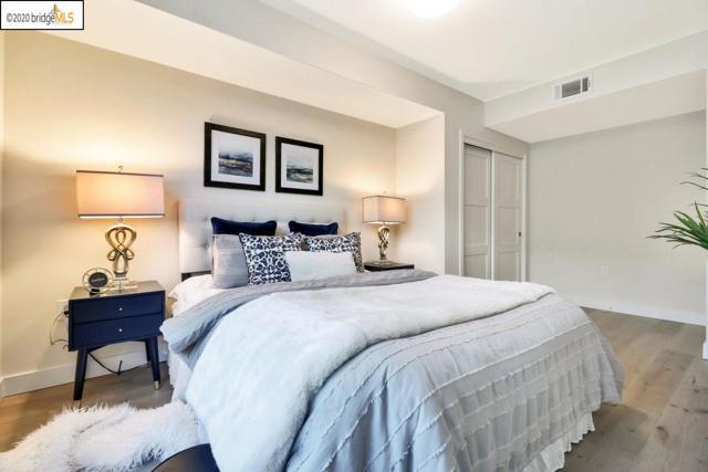 2224 Clement St, San Francisco, California 94121, 3 Bedrooms Bedrooms, ,2 BathroomsBathrooms,Condominium,For Sale,Clement St,40927923