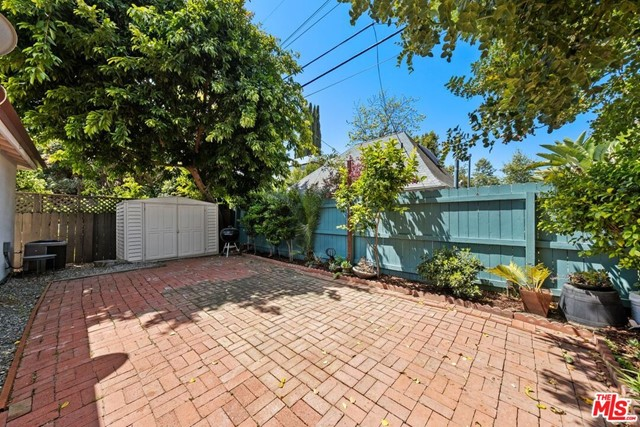 40. 745 N Poinsettia Place Los Angeles, CA 90046