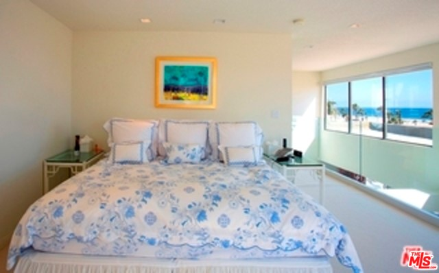 110 Ocean Park Boulevard, Santa Monica, California 90405, 3 Bedrooms Bedrooms, ,3 BathroomsBathrooms,Condominium,For Sale,Ocean Park,21674978