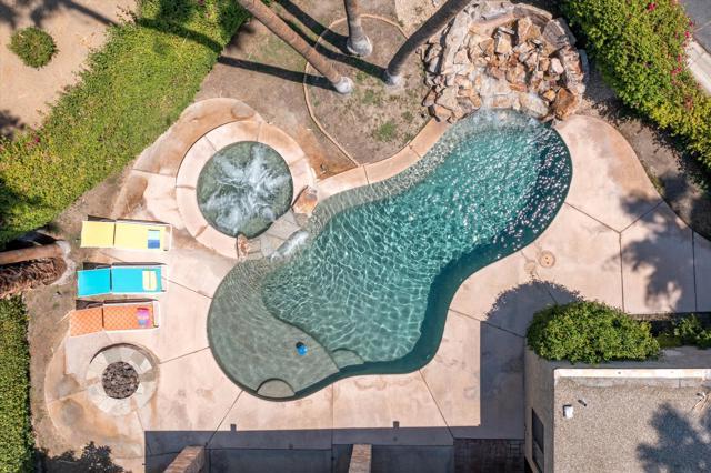 4 Chandra Ln, Rancho Mirage, CA 92270