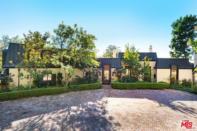 1010 N HILLCREST Road, Beverly Hills, CA 90210