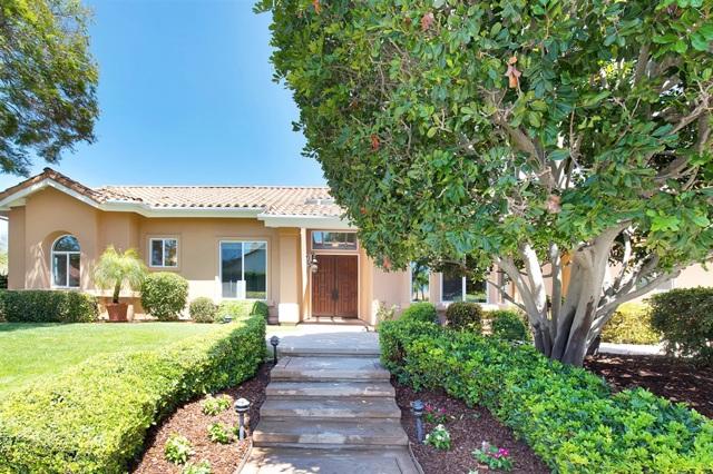 2069 Oak Glen Dr, Vista, CA 92081