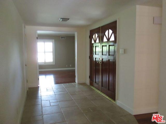 3339 Scadlock Lane, Sherman Oaks CA: https://media.crmls.org/mediaz/C4D97751-6C38-4DDA-8719-C381F988E5DC.jpg
