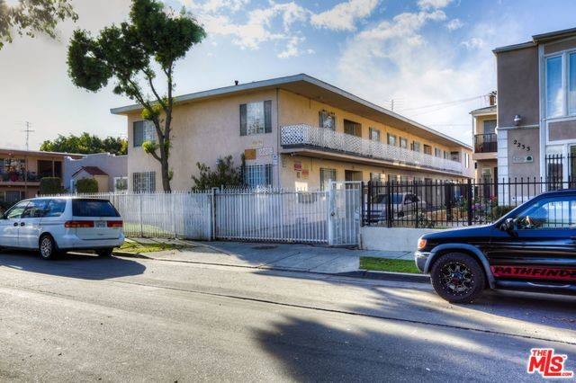 2239 S MARVIN Avenue, Los Angeles, CA 90016