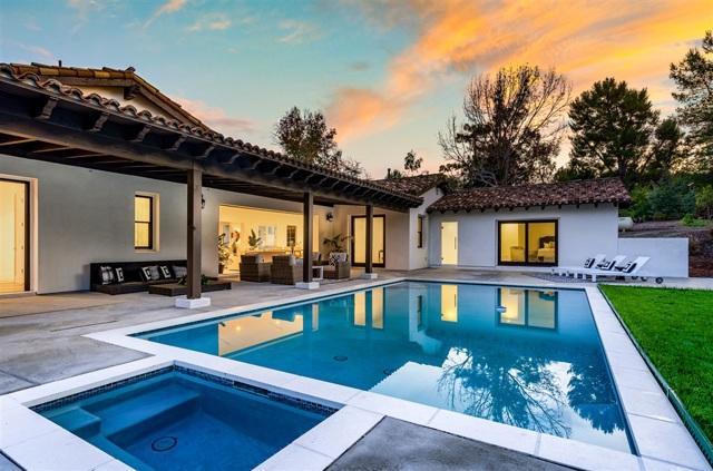 16947 Avenida Luis, Rancho Santa Fe, CA 92067