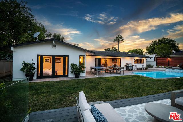 15517 Briarwood Drive, Sherman Oaks, CA 91403