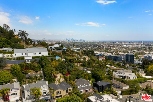 22. 1478 Stebbins Terrace Los Angeles, CA 90069