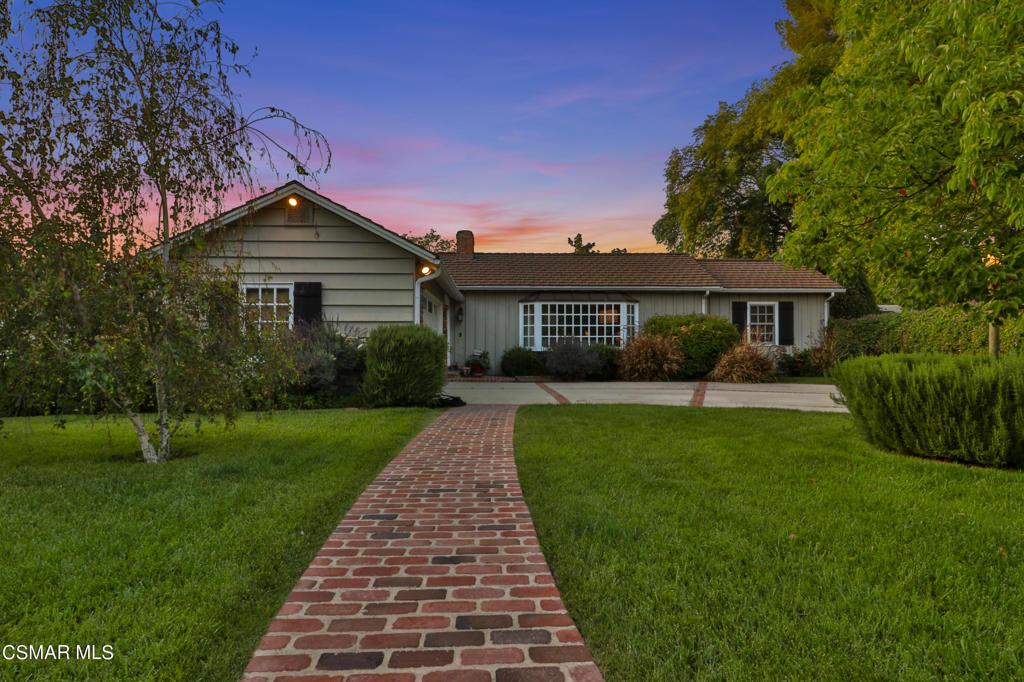 23261     Ostronic Drive, Woodland Hills CA 91367