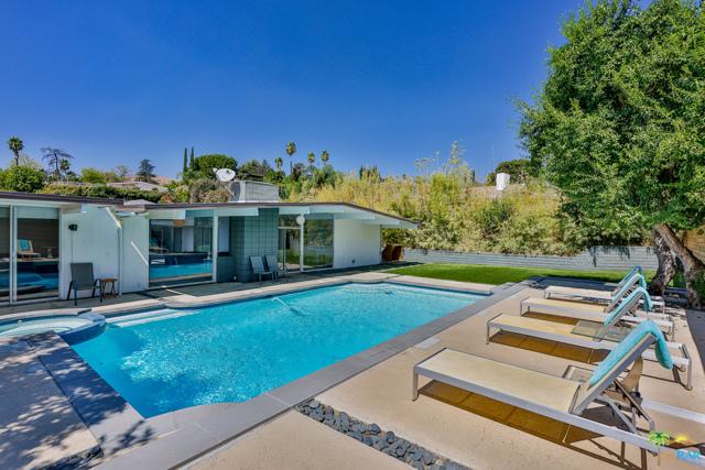 Photo of 12610 Jimeno Avenue, Granada Hills, CA 91344