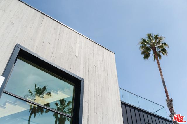 4. 330 Rennie Avenue #7 Venice, CA 90291