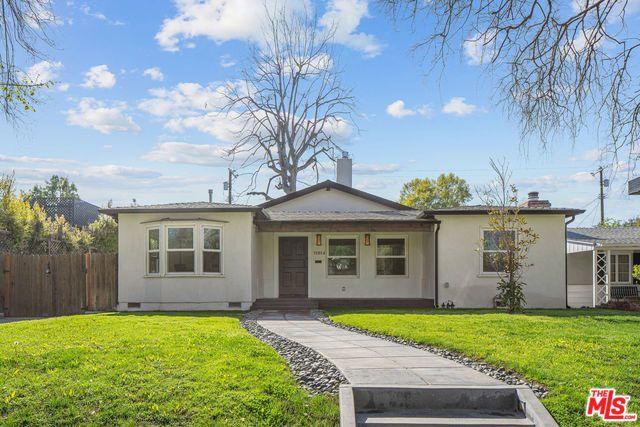 11814 HARTSOOK Street, Valley Village, CA 91607
