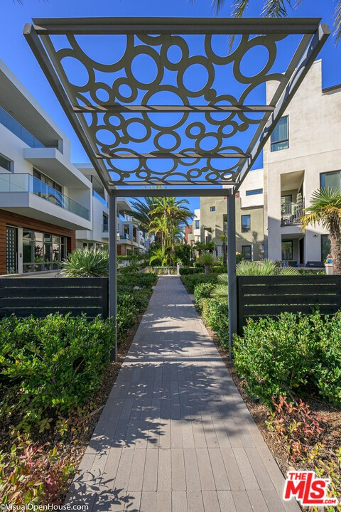 5933 Coral Pl, Playa Vista, CA 90094 Photo 4