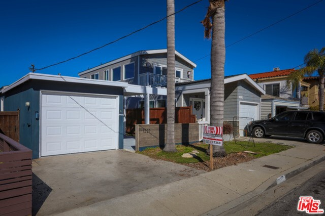 1221 10TH Street, Hermosa Beach, California 90254, 3 Bedrooms Bedrooms, ,2 BathroomsBathrooms,For Rent,10TH,19453002