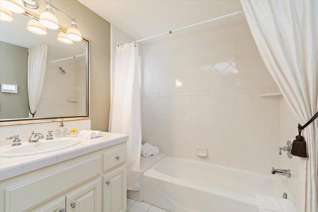 Second Bedroom en-suite