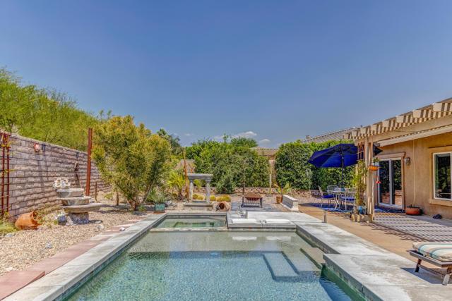 24. 1283 Oro Palm Springs, CA 92262