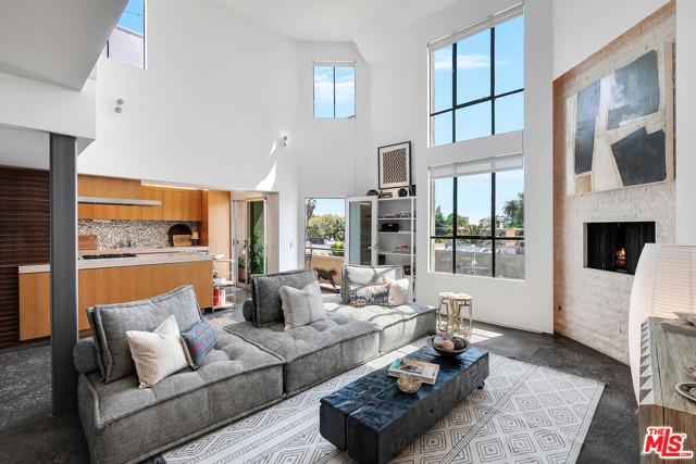720 Huntley Drive 207, West Hollywood, CA 90069