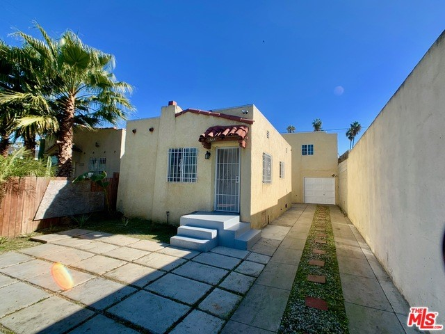 5752 S VAN NESS Avenue, Los Angeles, CA 90062