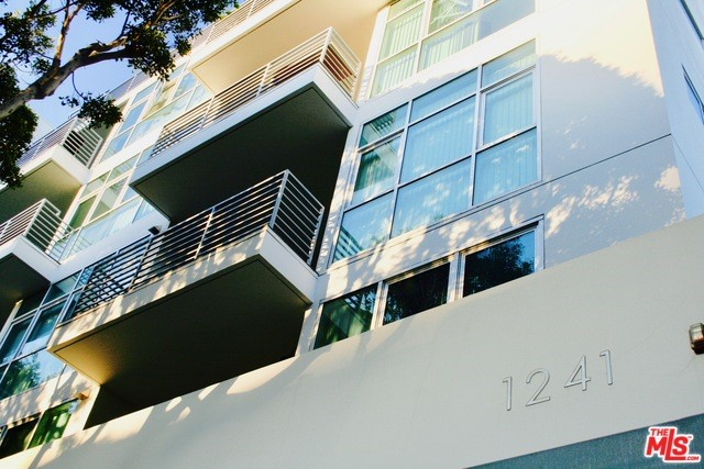 1241 5TH Street 402, Santa Monica, CA 90401
