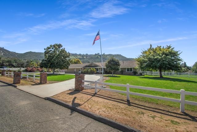 607 E Olive St, San Marcos, CA 92069