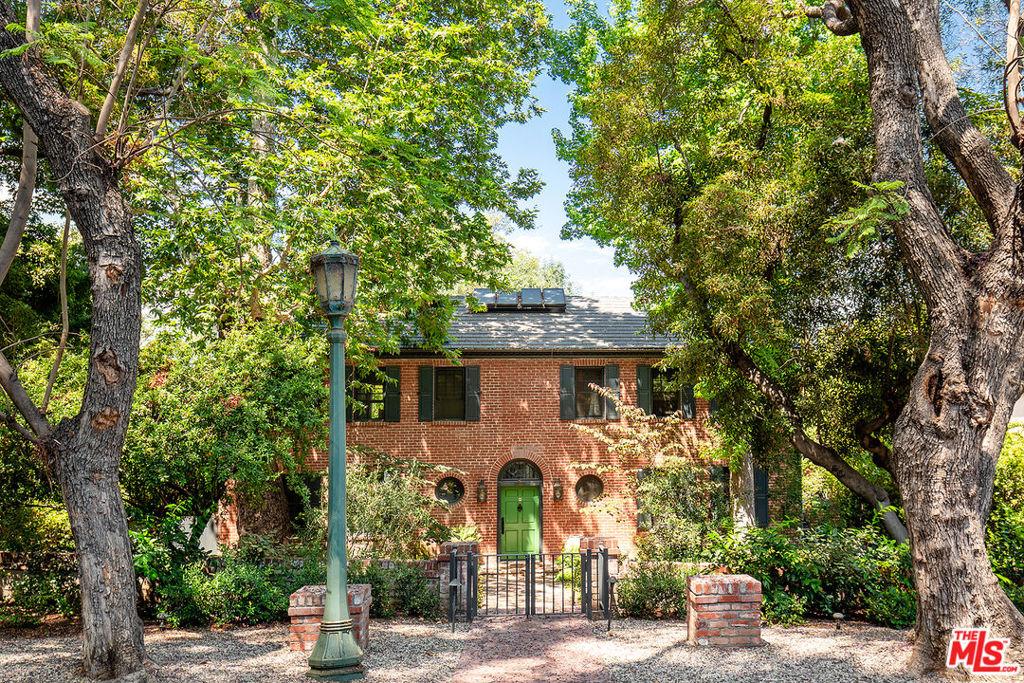 Photo of 355 S San Rafael Avenue, Pasadena, CA 91105