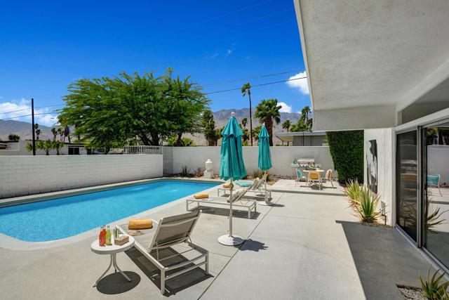 21. 3390 E Paseo Barbara Palm Springs, CA 92262