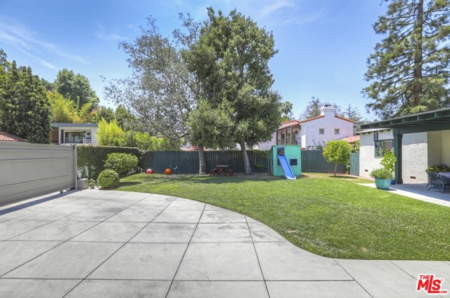 51. 5222 Los Feliz Boulevard Los Angeles, CA 90027