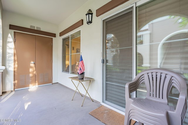 33. 461 Country Club Drive #111 Simi Valley, CA 93065