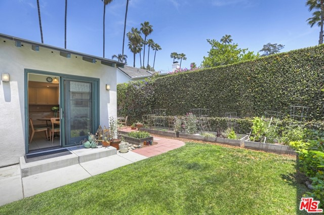 36. 5222 Los Feliz Boulevard Los Angeles, CA 90027