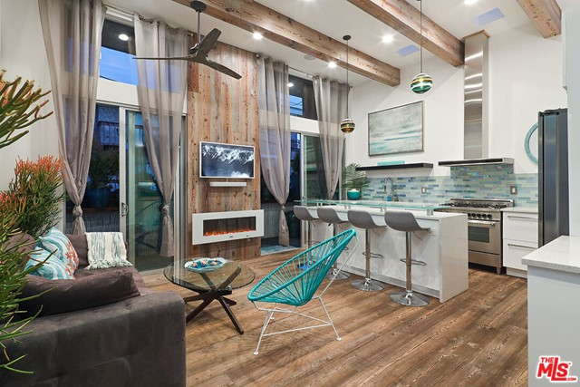 473 36th Place, Manhattan Beach, California 90266, 2 Bedrooms Bedrooms, ,2 BathroomsBathrooms,For Rent,36th,21712248