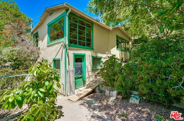 742 SUNNYHILL Drive, Los Angeles, CA 90065