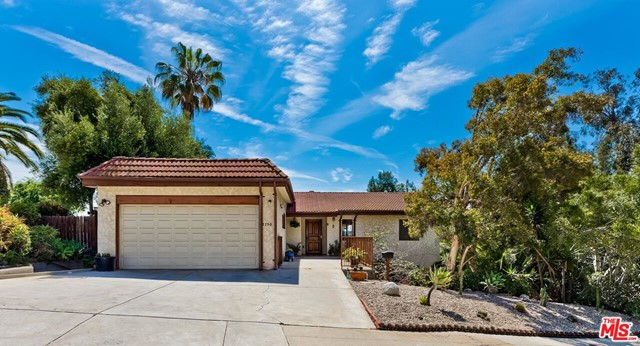 28. 2750 Medlow Avenue Los Angeles, CA 90065