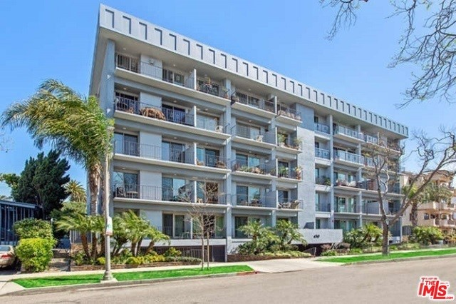 450 S MAPLE Drive 302, Beverly Hills, CA 90212