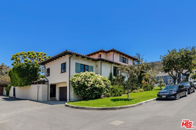 6. 453 Via Media Palos Verdes Estates, CA 90274