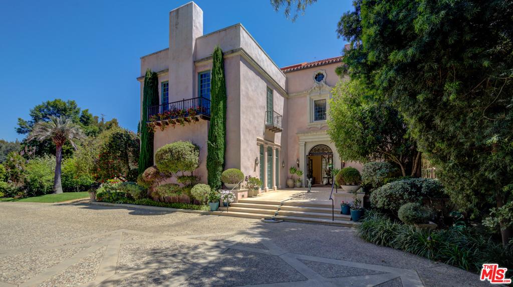 Photo of 1210 S Arroyo Boulevard, Pasadena, CA 91105