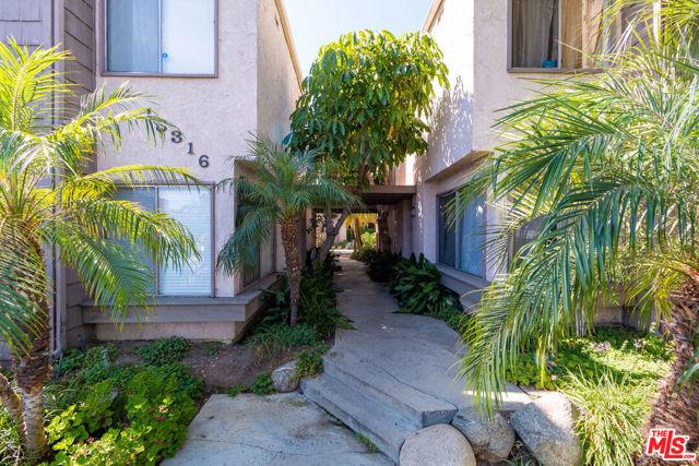 Photo of 18316 Hatteras Street #35, Tarzana, CA 91356