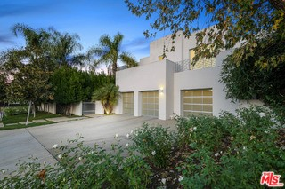 Photo of 4850 ANDASOL Avenue, Encino, CA 91316