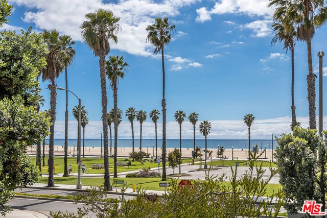 Photo of 121 HART Avenue, Santa Monica, CA 90405