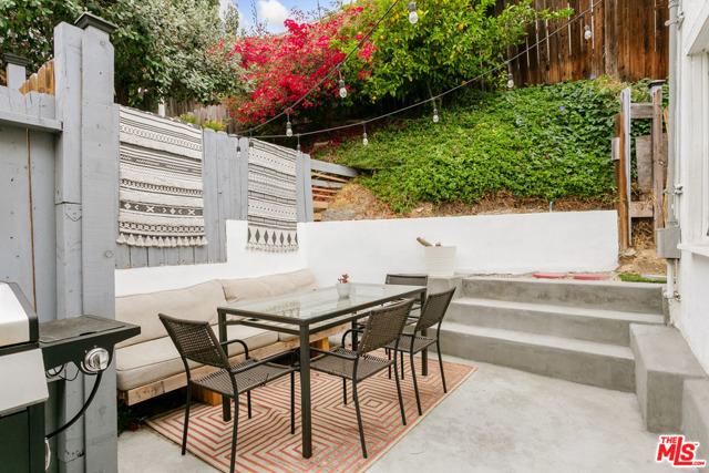 30. 2218 Effie Street Los Angeles, CA 90026