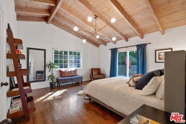 2012 SANBORN Avenue, Los Angeles, CA 90027