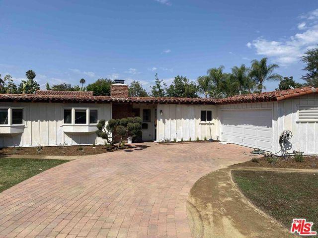 15461 La Maida, Sherman Oaks, CA 91403