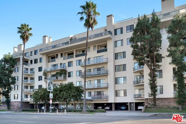 4460 WILSHIRE Boulevard 406, Los Angeles, CA 90010