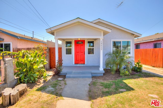 10623 S Freeman Avenue, Inglewood, CA 90304